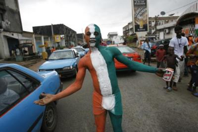 IVORY COAST FAN BODY PAINTED