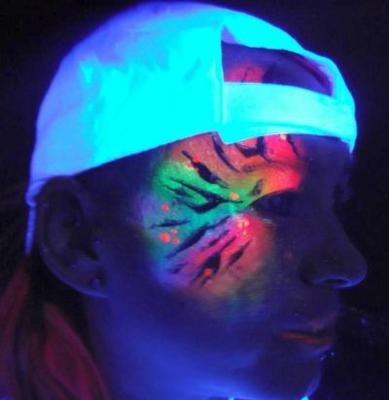 UV face paint