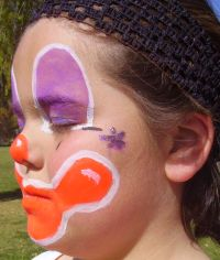 smiling clown face painting step 4